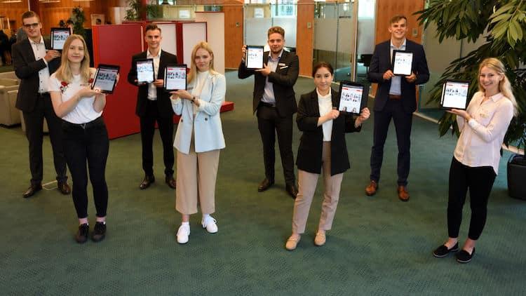 Photo of Acht Starts der Ausbildung bei der Sparkasse