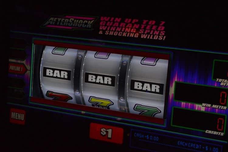 Photo of Spielautomaten in einer Gaststätte von Unbekannten aufgebrochen