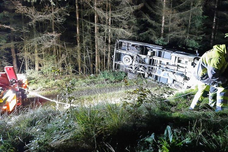Photo of In Dreisbach gestohlener Renault verunglückt in Derschlag