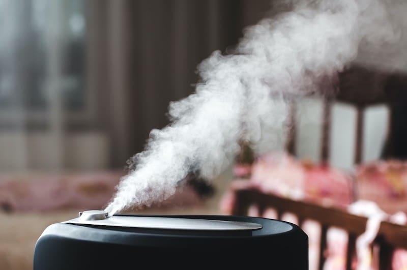 Luftreiniger könnten eine Teil-Lösung in der Corona Pandemie sein.