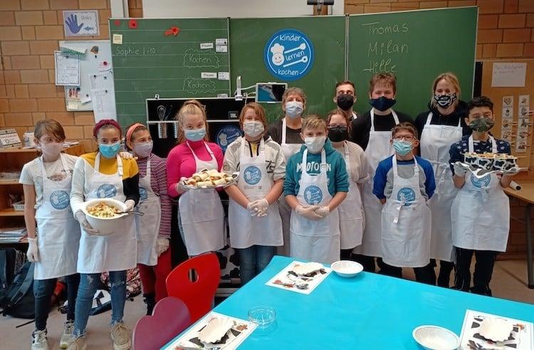 Bild von Jakob-Moreno-Schule: Kinder lernen kochen