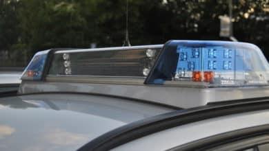 2021-04-26-Polizei-2-Kinder-Streit-Ordnungsamt-Durchsuchungen-Verkehrsunfaelle-Zelle-Grosshoehfeld-Paketboten-Peter-Hermesdorf
