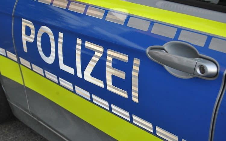 2021-04-26-Polizei-3-Rollerfahrer