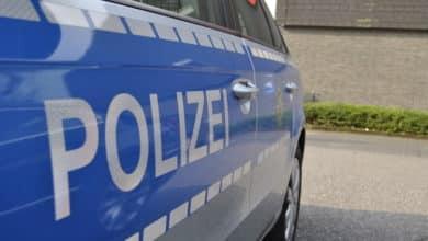 2021-04-26-Polizei-Schlangenlinien-Bahnhof-Motorboo-Saengertshoehe-Bagger